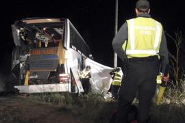 Tres muertos y 26 heridos al colisionar dos autobuses en Torquemada