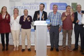 Maribel Vives y Joan Lliteres, candidatos del PP por Capdepera y Artà