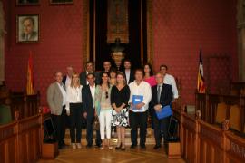 El Consell firma un convenio con 12 ayuntamientos para la redacción de catálogos de caminos