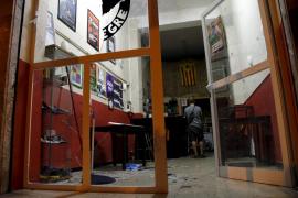 Los jóvenes de la izquierda independentista denunciarán el asalto al Casal Voltor Negre