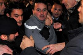 Un testigo de la agresión a Berlusconi asegura que Tartaglia no actuó solo