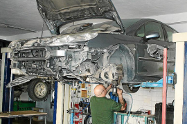 El Govern intensifica las inspecciones a los talleres mecánicos