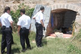 Investigan la muerte de dos indigentes en un local del Port d'Alcúdia y las murallas de Palma
