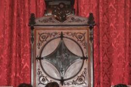 Felipe VI ya preside la sala de plenos de Cort