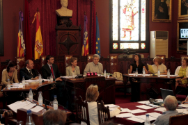 PP y UM dejan sin sueldo a las regidoras no electas, Garví y Palou