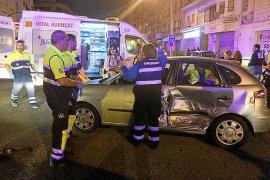 Un conductor huye tras provocar un accidente en la calle Aragón de Palma