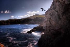 Descubriendo la isla salto a salto