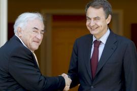 El FMI cambia su discurso y dice ahora que ve «muy eficaces» las medidas de Zapatero