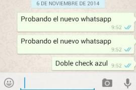 WhatsApp integra el doble check azul que permite saber si el destinatario ha leído el mensaje