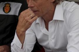 Karpin no realizará cambios para el partido contra el Racing de Santander