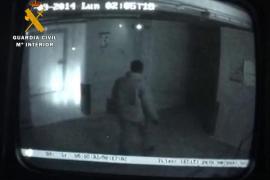 Detenido un ladrón que, tras cumplir condena de 12 años, robó 3.000 euros y un coche