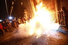 La protesta por la desaparición de 43 jóvenes en México acaba en conflicto