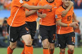 Sneijder arrima a Holanda a octavos