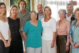 Homenaje a Anita, viuda de Carlos Ecker, en el hotel Ciutat Jardí