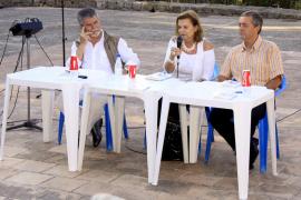 La escritora Carmen Riera arropa el debut poético de Sebastià Artigues