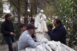 La escultura de Llimona, devuelta al cementerio de Sóller tras dos años de polémica