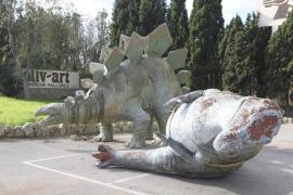 Retiran los dinosaurios de Manacor