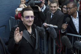 Bono se fractura la cara, el omoplato, el húmero y la mano en un accidente de bici
