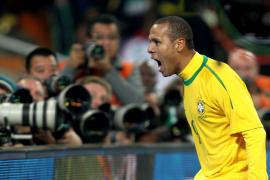 La noche en que Kaká y Luis Fabiano despertaron, Brasil pasó a octavos