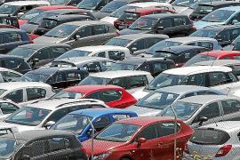 Los 'rent a car' cierran una temporada desigual