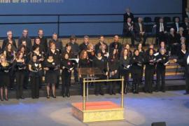 Las corales de la UIB celebran en el Auditòrium su concierto de Navidad