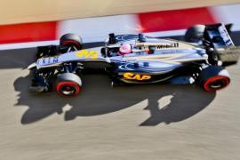 El nuevo McLaren se para a la segunda vuelta