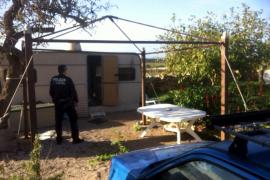 Hallado en Ses Salines el cadáver de un hombre en el interior de una caravana