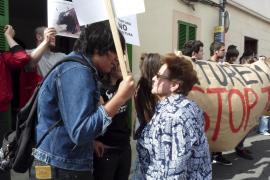 Enfrentamientos e insultos entre  vecinos de Muro y jóvenes antitaurinos