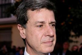 Cayetano Martínez de Irujo  ha sido operado de una obstrucción intestinal