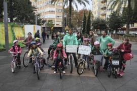 Familias del colegio Es Pont reclaman un carril bici en Son Gotleu