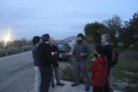 Los afectados por el paso del gasoducto en Inca visitan la zona con un técnico