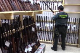 El departamento de armas de la Guardia Civil vuelve a la Comandancia