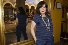 Concha Velasco celebra sus 75 años en el programa «Cine de barrio»