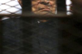 Mubarak, absuelto por la muerte de manifestantes en la revolución de 2011