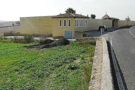 La adquisición de una parcela servirá para facilitar el acceso al cementerio