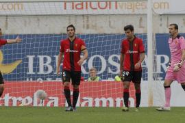 El Sporting termina con la racha de puntos del Mallorca