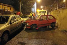 Roba un coche, se empotra contra tres vehículos y se da a la fuga en Son Gotleu
