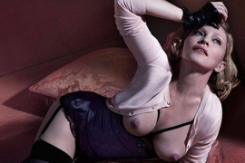 Madonna: 'topless' a los 56