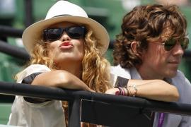 La cantante Paulina Rubio y su marido Colate