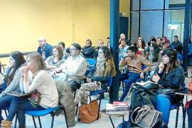 El retraso de los programas de FP Básica afecta a 450 jóvenes