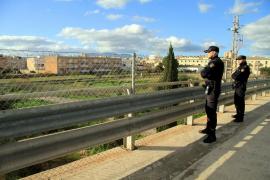 Lanzan piedras a otro coche desde el puente de Son Oliva