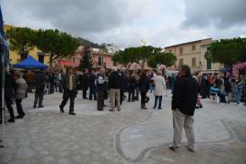 Inaugurada la remodelación de la Plaza de España de Andratx