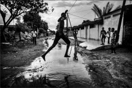 Manu Brabo reivindica el papel de la mujer en los conflictos bélicos