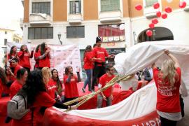 Los comerciantes de Vía Sindicato: 'Esta Navidad, todos con la cuchara llena'