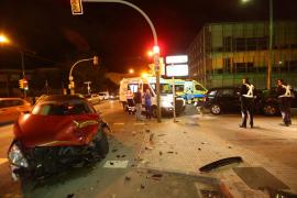 Cuatro heridos en una colisión de vehículos en Palma