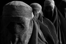 El Senado insta al Gobierno a prohibir el 'burka' en los espacios públicos