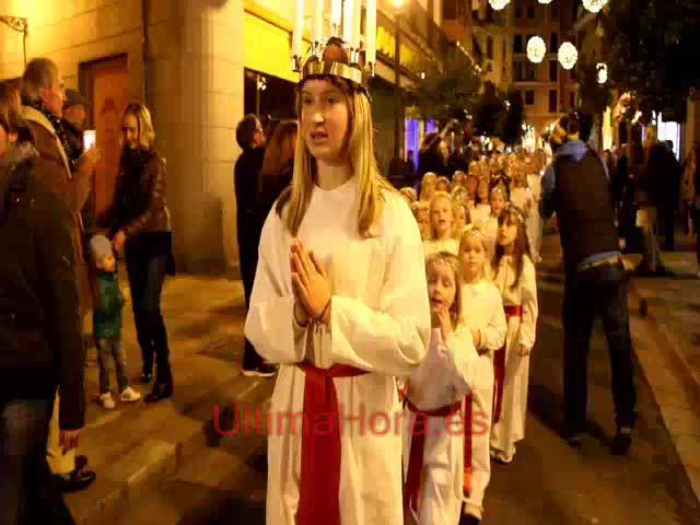 La comunidad sueca de Mallorca celebra en Cort la festividad de Santa Lucía