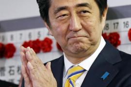 Abe gana las elecciones en Japón