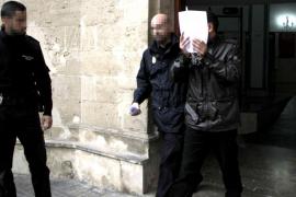 El juez envía a la cárcel al acusado de apuñalar a un senegalés en Son Gotleu