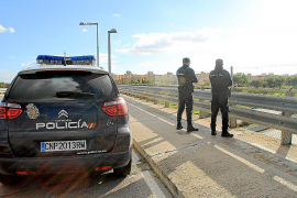 La Policía Nacional intercepta a cuatro niños lanzando piedras en Palma